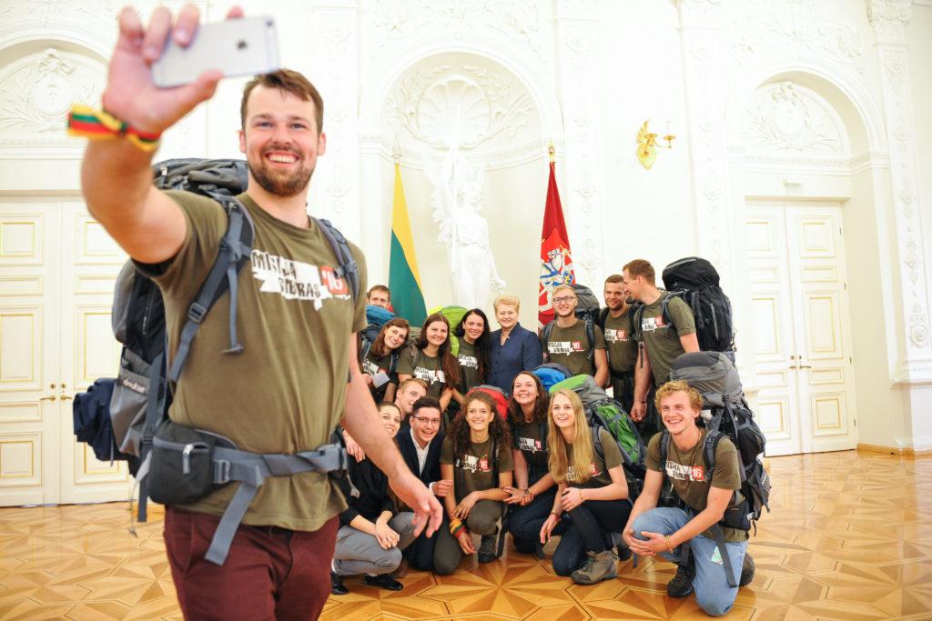 Misija-Sibiras-komanda-prezidentūroje.-Simonas-Jazavita-priekyje